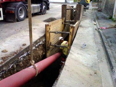 Mise en œuvre de conduite fonte gravitaire eaux usées en milieu urbain