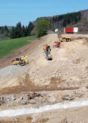 Terrassement d'une route départementale